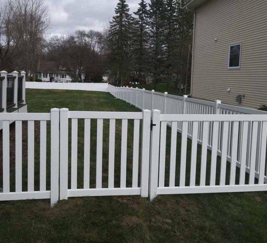 48 White Vinyl Cloesd Picket Fence Walk Gate