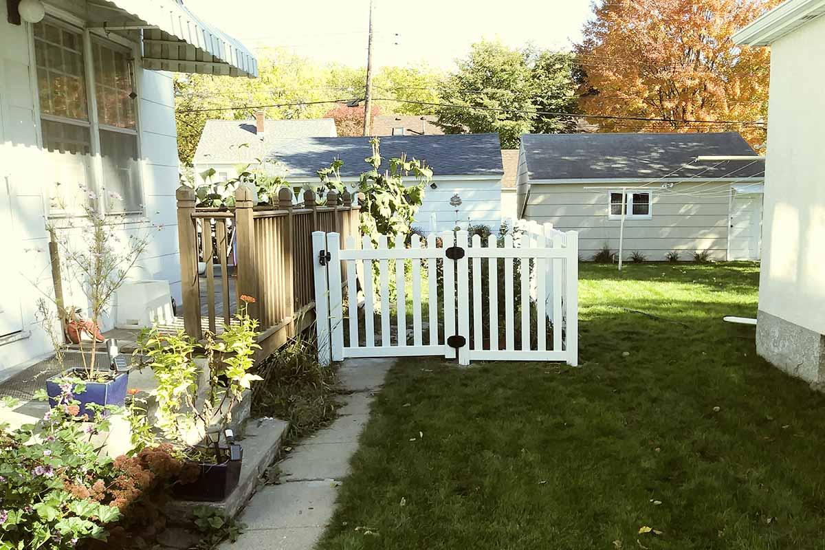 4 Dog Eared Vinyl Picket Fence Walk Gate