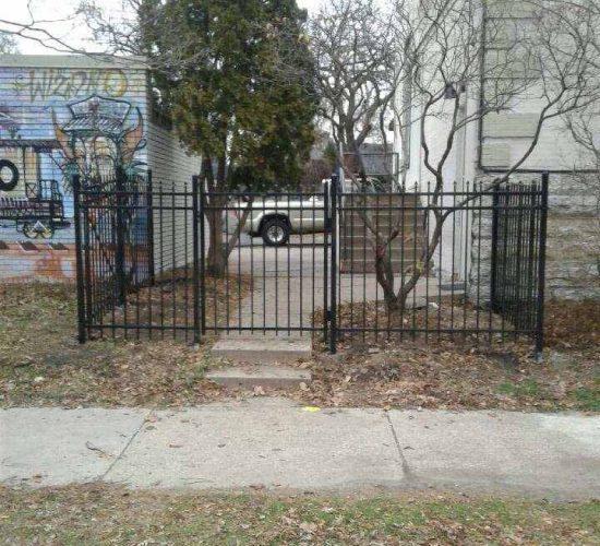 5 Spear Top Ornamental Fence
