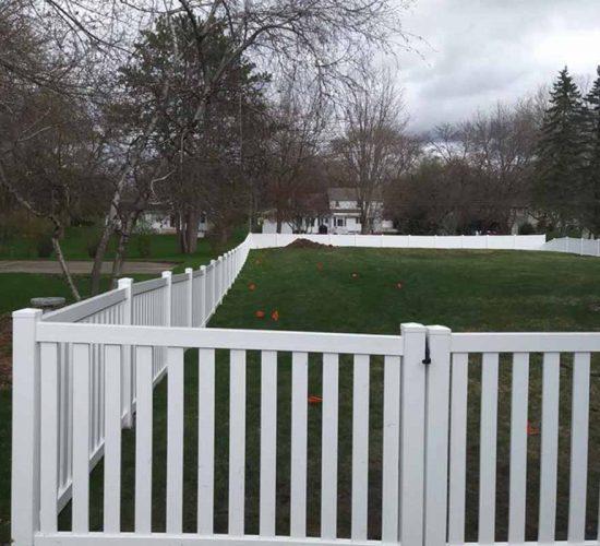 White Vinyul Closed Picket Fence Mn