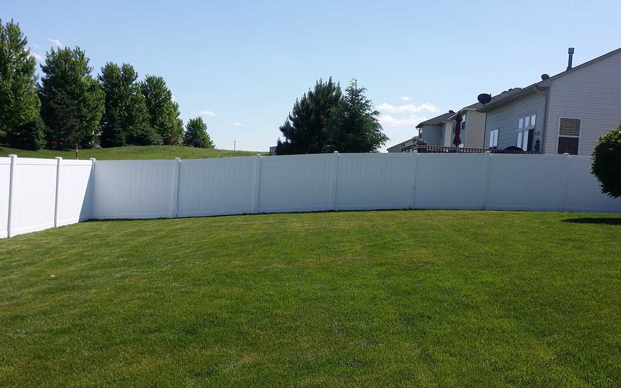 6 White Vinyl Fencing Mn Installation
